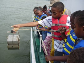 Live It Learn It students on the Potomac River (photo: Live It Learn It)